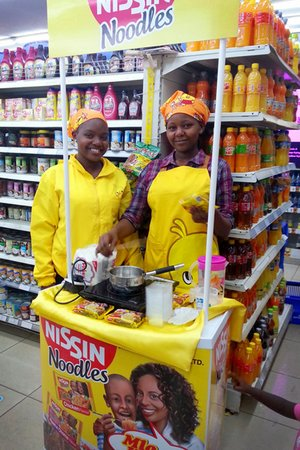 Promoting instant noodles in a Nariobi supermarket, Kenya. Credit: D.Okabayashi