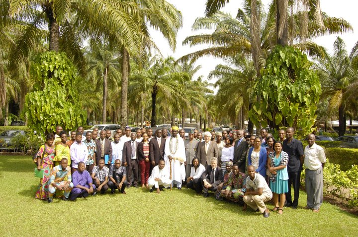 Photo: Participants to the official launch of the project Mutually supportive implementation of the Nagoya Protocol and the International Treaty in Benin, May 2015 Credit: Wilfried Anagonou