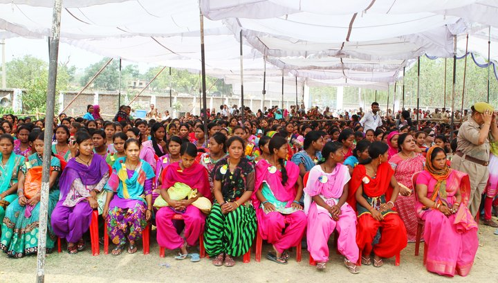 Around 4500 farmers attended the opening of the Community Seedbank at Imiliya Koder for Tharu Communities. Credit: Bioversity International/P. Quek