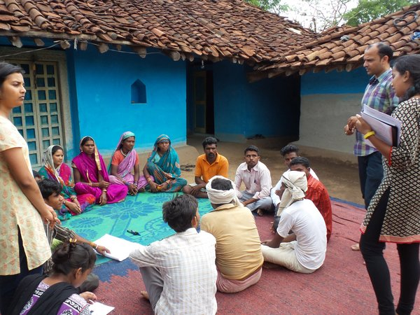 Seasonal availability workshop in Dungariya village, Madhya Pradesh, India. Credit: Bioversity International/G. Meldrum