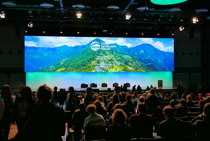 Plenary during the Global Landscapes Forum in Bonn, 19-20 December 2017. Credit: Bioversity International/M.Franic