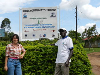 Devra Jarvis and national partner from the National Agricultural Research Organisation (NARO) in front of Kiziba community seedbank, established in Uganda in 2010. Credit: Bioversity International/D. Jarvis
