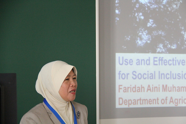 Faridah Aini Muhammad presents at the 2015 European Seminar on Extension and Education. Credit: Bioversity International/E. Hermanowicz